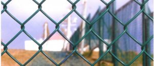 pvc-chain-link-fence-710x305